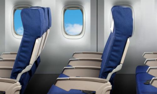 Ghế sát cửa sổ được cho là vị trí ít bị lây bệnh nhất trên máy bay. Ảnh: HP.