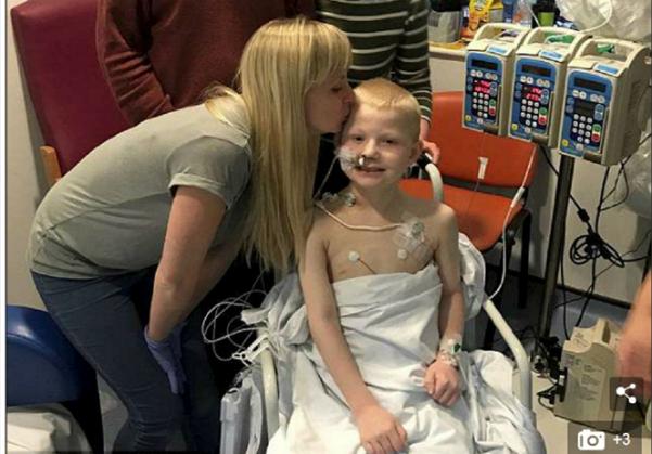 Cậu bé được ghép cùng lúc 5 nội tạng