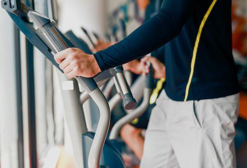 Chỉ đi bộ 30 phút mỗi ngày cũng giúp giảm nguy cơ mắc rối loạn cương.