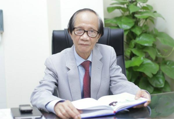 Phó giáo sư, Tiến sĩ, bác sĩ Nguyễn Hoàng Sơn - Chủ tịch Hội Tai mũi họng Hà Nội.