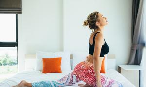 8 động tác yoga buổi sáng giúp bạn tràn đầy năng lượng