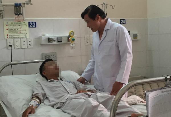 Bệnh nhân hồi phục chuẩn bị xuất viện chiều 17/5. Ảnh: Lê Phương.