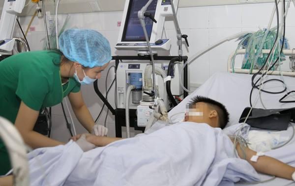 Bé trai được điều trị tại Bệnh viện Quận Thủ Đức. Ảnh bệnh viện cung cấp.