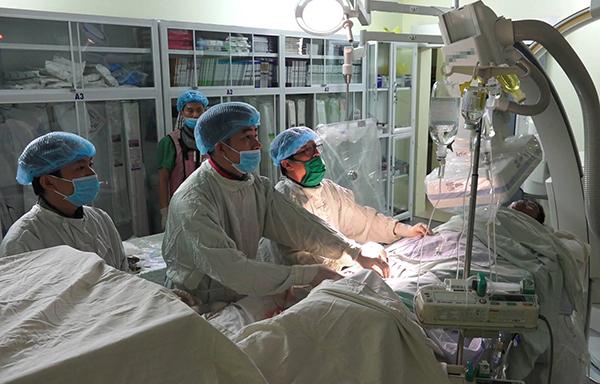 Bệnh nhân từ Trường Sa được can thiệp rạng sáng 24/5 tại Bệnh viện Quân y 175. Ảnh bệnh viện cung cấp.