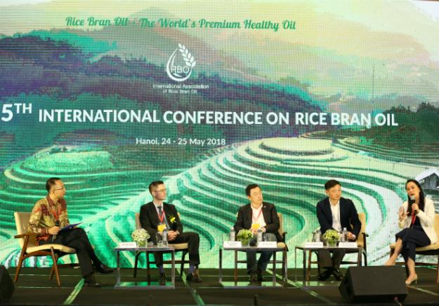 220 chuyên gia đến từ 20 quốc gia dự Hội nghị Dầu gạo Quốc tế tổ chức ngày 24/5 tại Hà Nội.