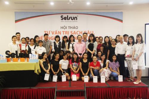 Qua buổi hội thảo, các khách mời đã được chia sẻ thông tin, kiến thức điều trị gàu.