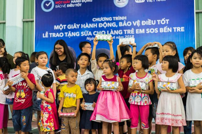 10.000 học sinh và giáo viên Đồng bằng sông Cửu Long có thêm nước uống sạch