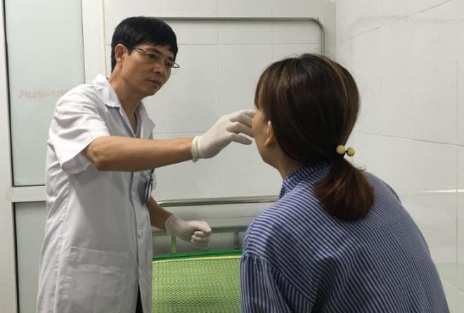 Phần mũi của bệnh nhân vừa bị hoại tử vừa viêm nhiễm. Ảnh: N.P.