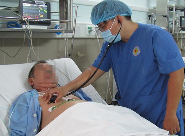 Cụ ông thuyên tắc phổi được cứu sống. Ảnh bệnh viện cung cấp.