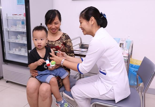 Sự ra mắt của loại văcxin 6 trong 1 mới mở ra thêm sự lựa chọn tiêm phòng bệnh truyền nhiễm nguy hiểm cho trẻ em.