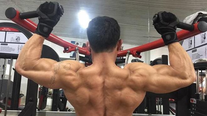 Tập gym giúp phái mạnh tăng cường phong độ đàn ông.