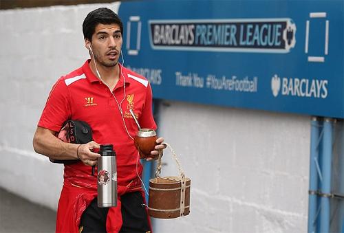 Suarez nghiện uống Mate từ khi còn chơi cho Liverpool. Ảnh: DS
