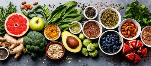 Ăn nhiều hoa quả giúp tăng cường hệ miễn dịch cho trẻ. Ảnh: Shutterstock