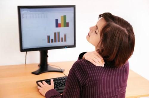 Cảnh giác với những cơn đau vai gáy