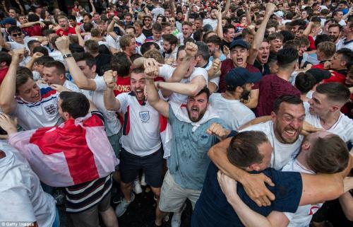 Cách chữa khàn tiếng, mất giọng do cổ vũ World Cup