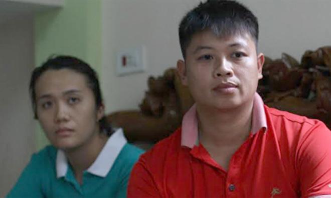 Vợ chồng anh Sơn đã nghi ngờ và xét nghiệm ADN phát hiện nhầm con. Ảnh: Phan Dương.