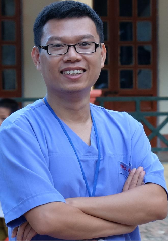 Bác sĩ Ngô Đức Hùng chia sẻ vấn đề kháng kháng sinh được nhiều người quan tâm.