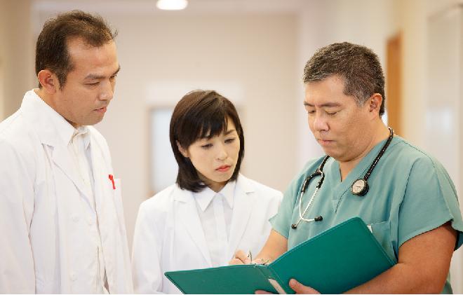 Tiến sĩ, bác sĩ Daisuke Tachikawa cùng các đồng nghiệp nghiên cứu về lợi ích sức khỏe của hợp chất Fucoidan.