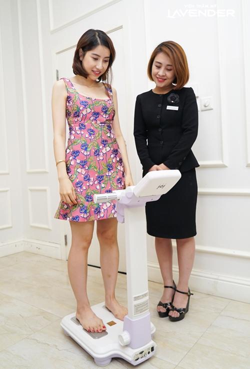 Ngay tháng đầu giảm cân với Contri Plus chị giảm được 6kg, mừng quá chị Kylie Vũ dành nguyên một ngày shopping thay luôn tủ đồ lấy thêm động lực giảm cân. Những chiếc váy body yêu thích lần đầu tiên được xuất hiện trong quần áo của chị.