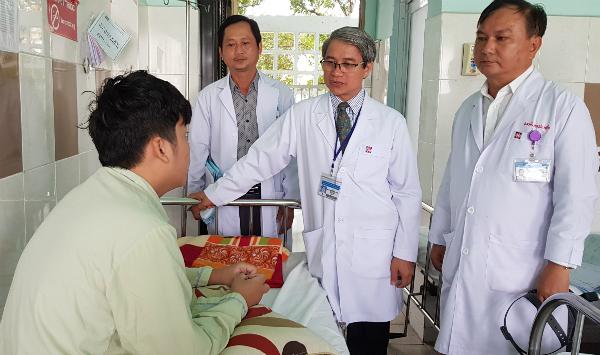 Bệnh nhân hồi phục khỏe mạnh sau hai tuần điều trị. Ảnh: Lê Phương.