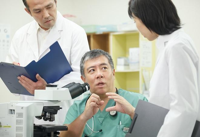 Tiến sĩ, bác sĩ Daisuke Tachikawa đã dành gần 30 năm để nghiên cứu về bệnh ung thư và các phương pháp điều trị.