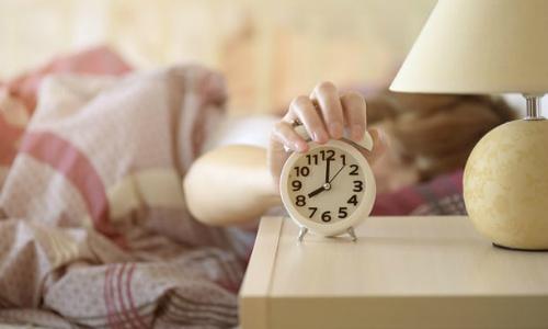 Ngủ quá nhiều là dấu hiệu cảnh báo nguy cơ đột quỵ. Ảnh: Alamy.