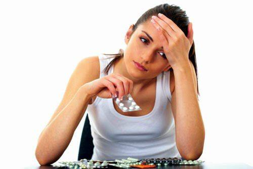 Uống thuốc đau bụng kinh có thể gây vô sinh