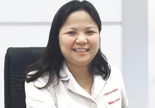 Phó giáo sư, tiến sĩ Phan Thu Phương, Phó giám đốc Trung tâm Hô hấp (Bệnh viện Bạch Mai), phó trưởng bộ môn nội tổng hợp (Đại học Y Hà Nội).