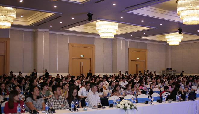 Hơn 700 nhân viên y tế tham gia chuỗi hội thảo khoa học tại Hà Nội và TP HCM. Ảnh: Loan Đỗ.