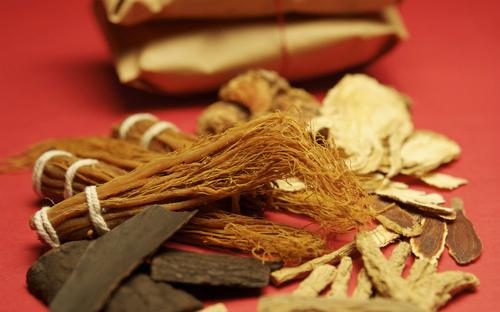 Hồng sâm Hàn Quốc là sản phẩm chế biến từ nhân sâm, dinh dưỡng tăng lên rất nhiều