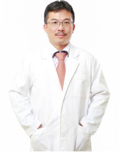 Bác sĩ Lê Hoàng.