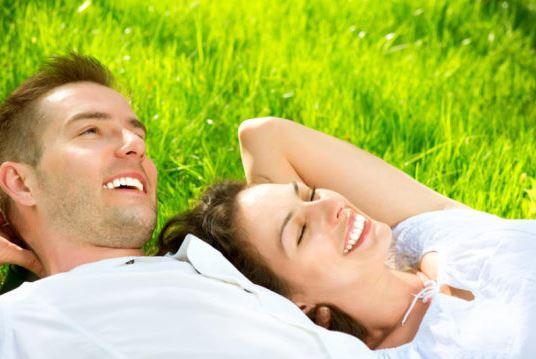 Mỗi cặp vợ chồng nên chuẩn bị sức khỏe và tâm lý ít nhất một tháng trước khi tiến hành IVF.