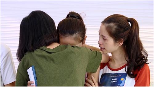 Các thí sinh bước vào vòng ngôi nhà chung có thời gian sống, sinh hoạt cùng nhau.