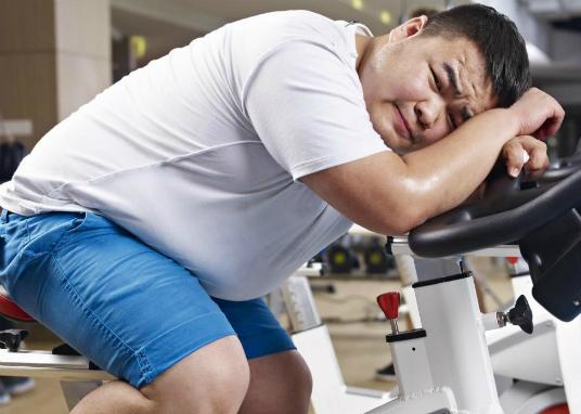 Siêng tập thể dục vẫn không thể giảm cân có thể do cơ thể và não bộ ngăn cản việc năng lượng bị tiêu hao bằng cách hạn chế vận động sau khi tập. Ảnh: WG