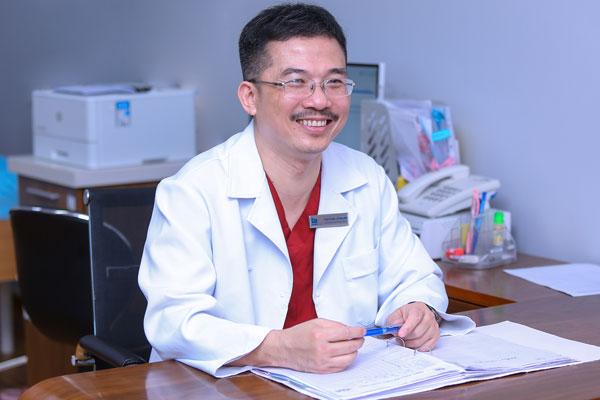 Thầy thuốc nhân dân, Phó giáo sư, Tiến sĩ, bác sĩ Lê Hoàng, Giám đốc Trung tâm Hỗ trợ sinh sản, Bệnh viện Đa khoa Tâm Anh Hà Nội (IVFTA).