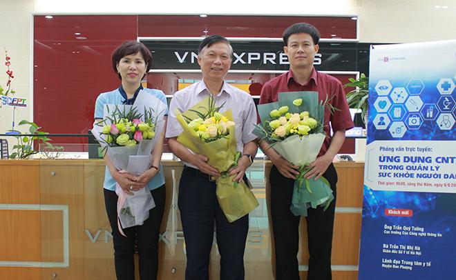 Ba chuyên gia từ Bộ Y tế, Sở Y tế Hà Nội, Huyện Đan Phượng (Hà Nội) có mặt tại buổi tư vấn.