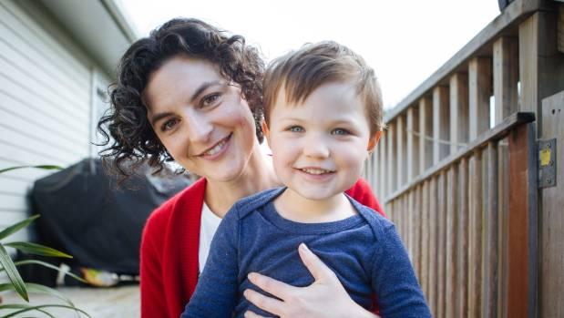 Bà mẹ không thể mang bầu thứ hai do lần đầu sinh mổ - ảnh 1