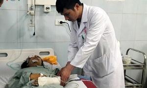 Bác sĩ Việt - Đức lên Lai Châu cứu chữa nạn nhân vụ xe bồn