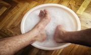 Làm thế nào khử mùi hôi chân ở nam giới