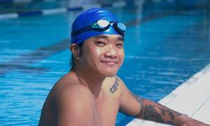 Chàng trai ở Sài Gòn bơi 24 km đường biển ủng hộ trẻ em