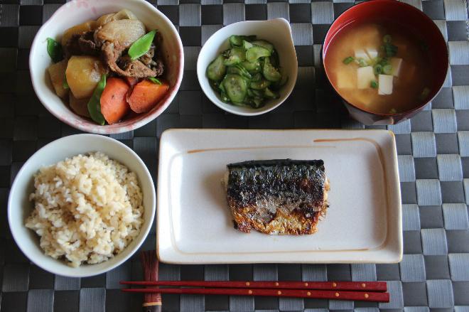 Bữa cơm nhà đặc trưng của Nhật.