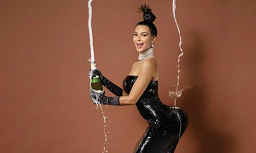 Ngôi sao truyền hình thực tế Kim Kardashian là hình mẫu khiến nhiều chị em tìm đến phẫu thuật nâng mông. Ảnh: MC.