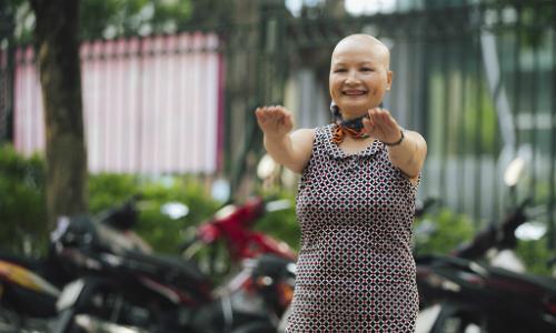 Bài tập vẩy tay giúp cô giáo vượt qua 5 ca mổ trị ung thư