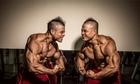 Cặp song sinh Sài Gòn sở hữu khối cơ bắp khủng