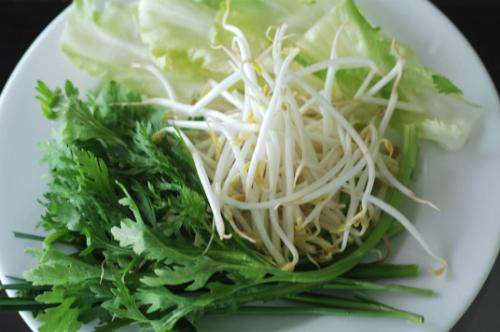 Rau xanh được sử dụng nhiều trong bữa ăn của Kim Phượng. Ảnh: An Nguyên.