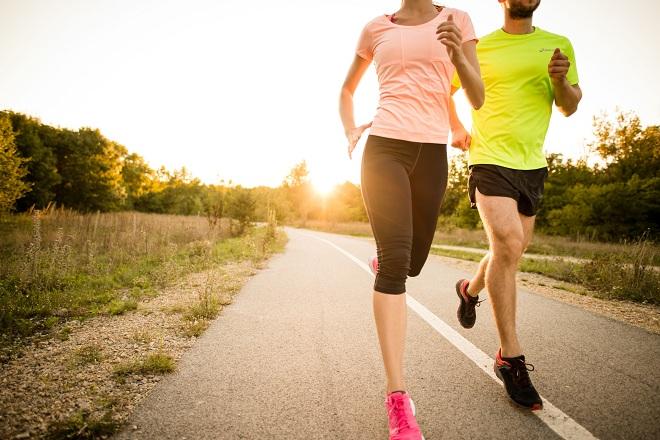 Vận động nhẹ góp phần giúp xương khớp chắc khỏe.