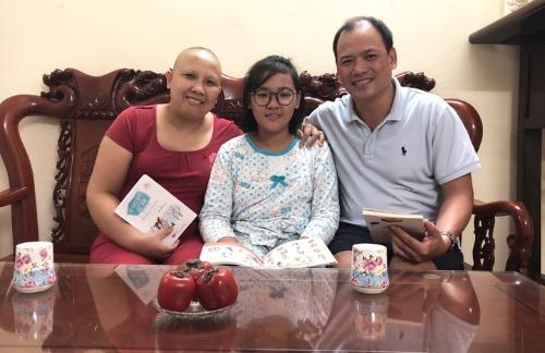 Gia đình hạnh phúc là điểm tựa tinh thần vững chắc của chị Cẩm Bào. Ảnh: Thùy An