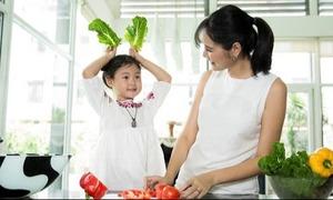 Hương Giang chia sẻ cách chăm con khỏe, đủ dinh dưỡng
