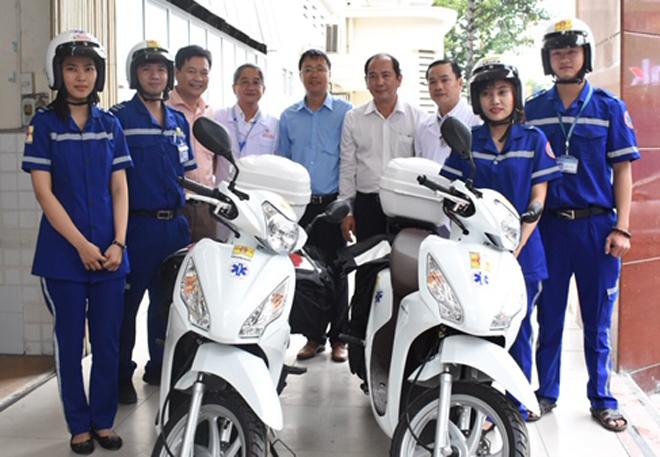Phó giám đốc Sở Y tế TP HCM Tăng Chí Thượng tại buổi thí điểm xe máy cứu thương Bệnh viện Đa khoa Sài Gòn ngày 7/11. Ảnh: K.V