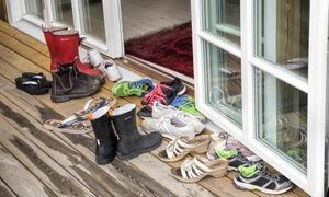 Lý do bạn không nên mang giày dép vào trong nhà